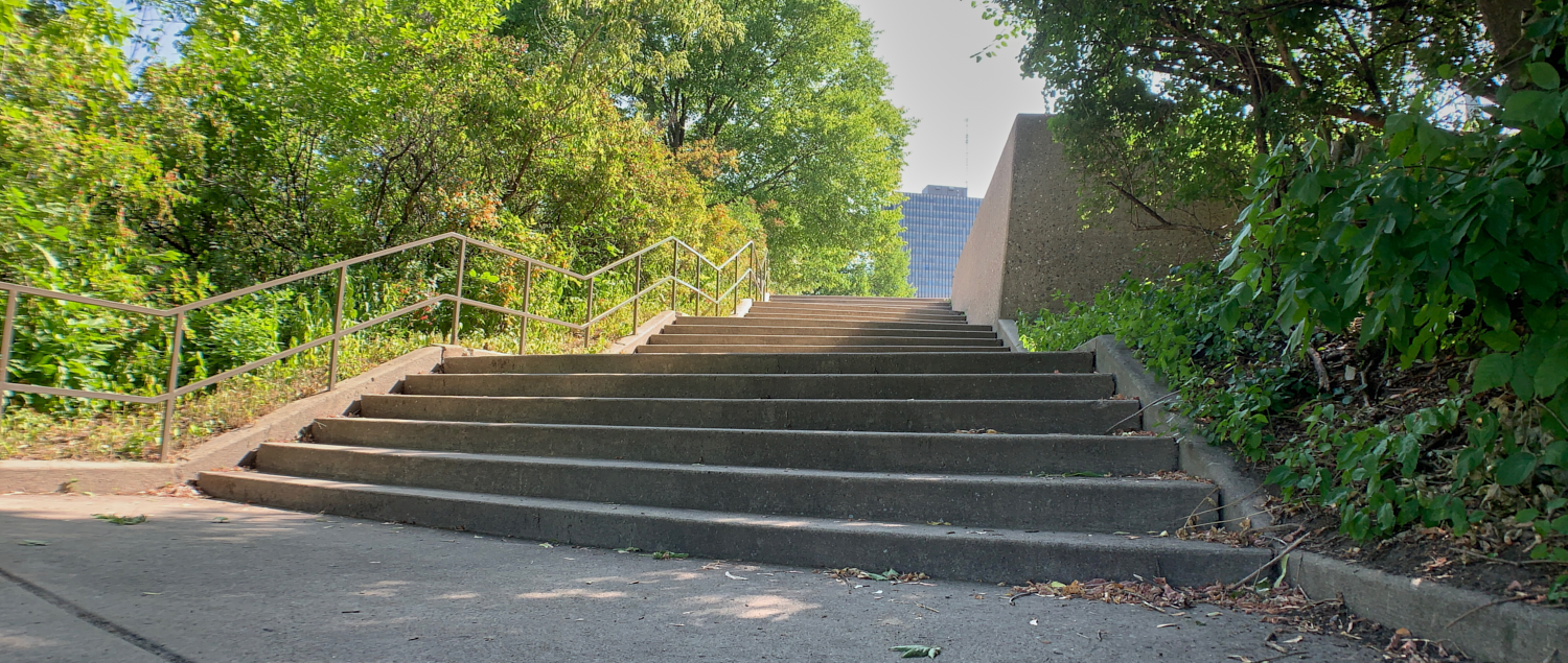 Stairs: 45.418425, -75.709774
