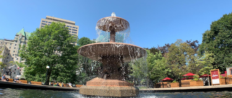 Fountain in Confederation Park: 45.422056, -75.692373