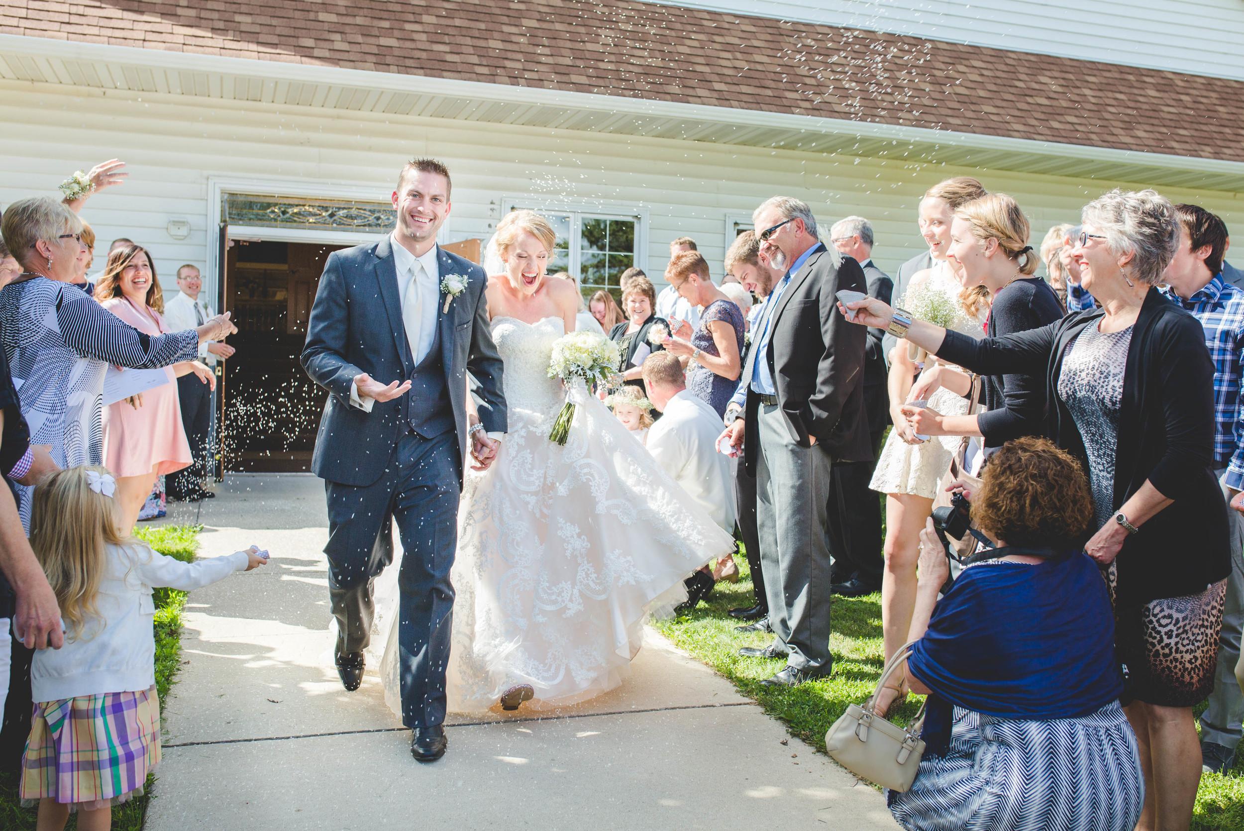 #mnwedding #mnphotographer #countrycharm #brideandgroom #justmarried