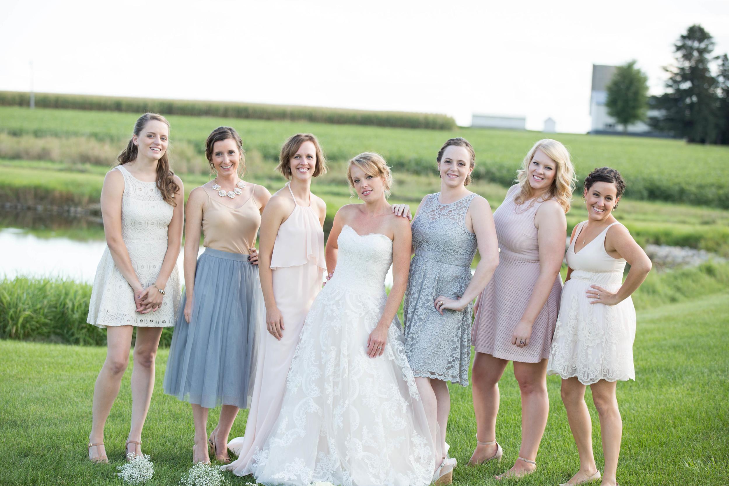 #mnwedding #mnphotographer #countrycharm  #bridalparty