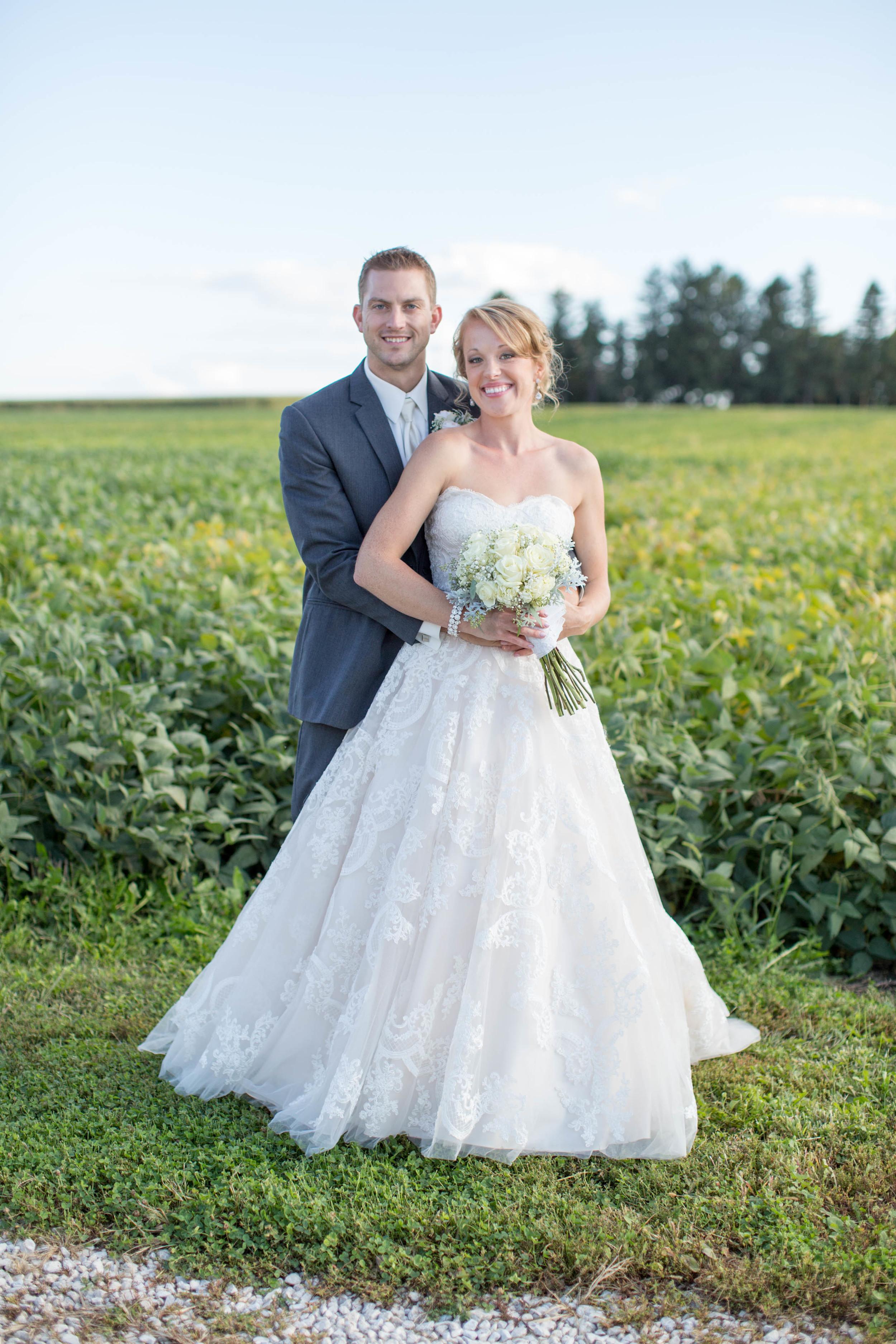 #mnwedding #mnphotographer #countrycharm #brideandgroom