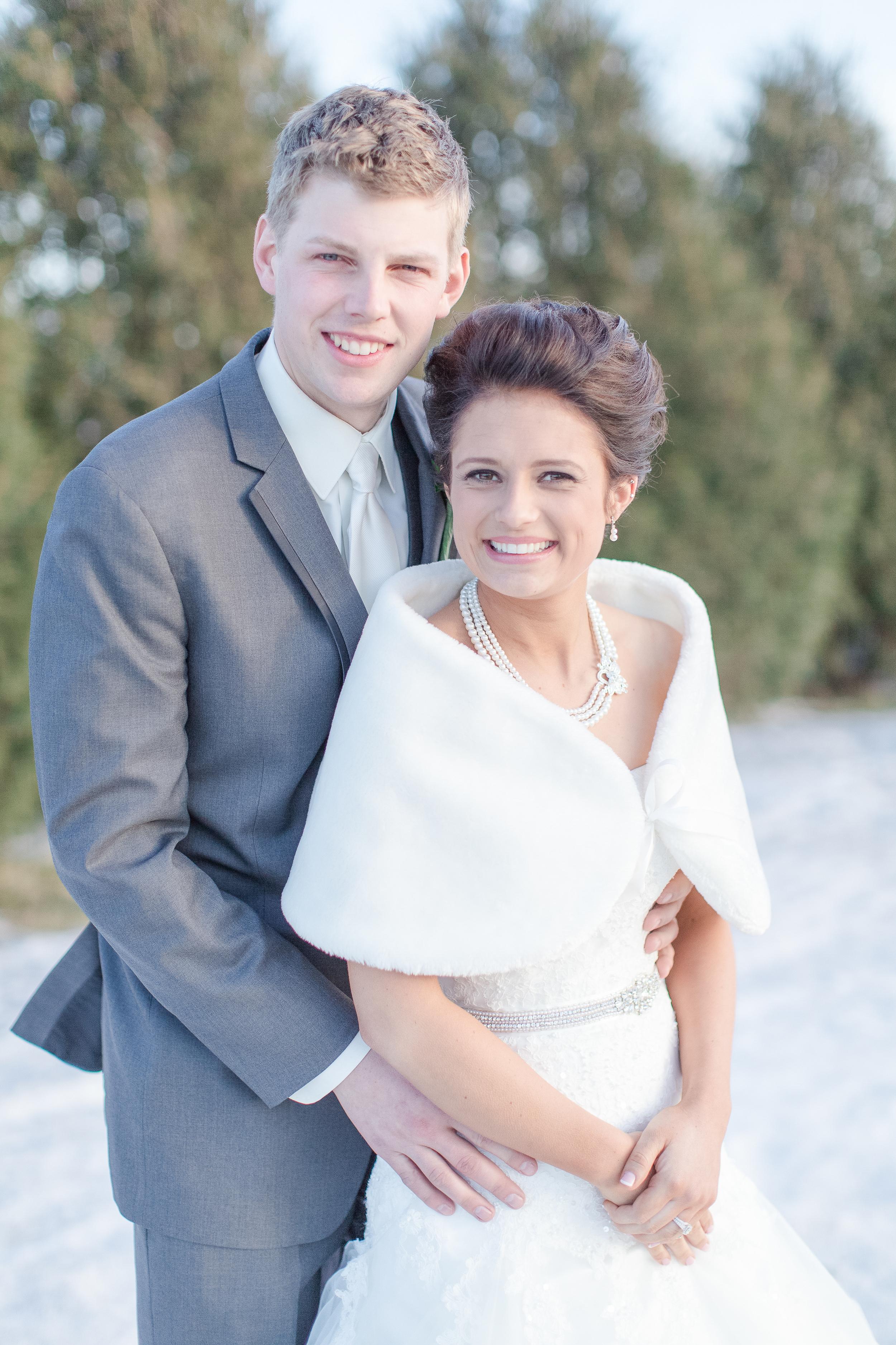 #brideandgroom #mnwedding #winterwedding #mnweddingphotographer