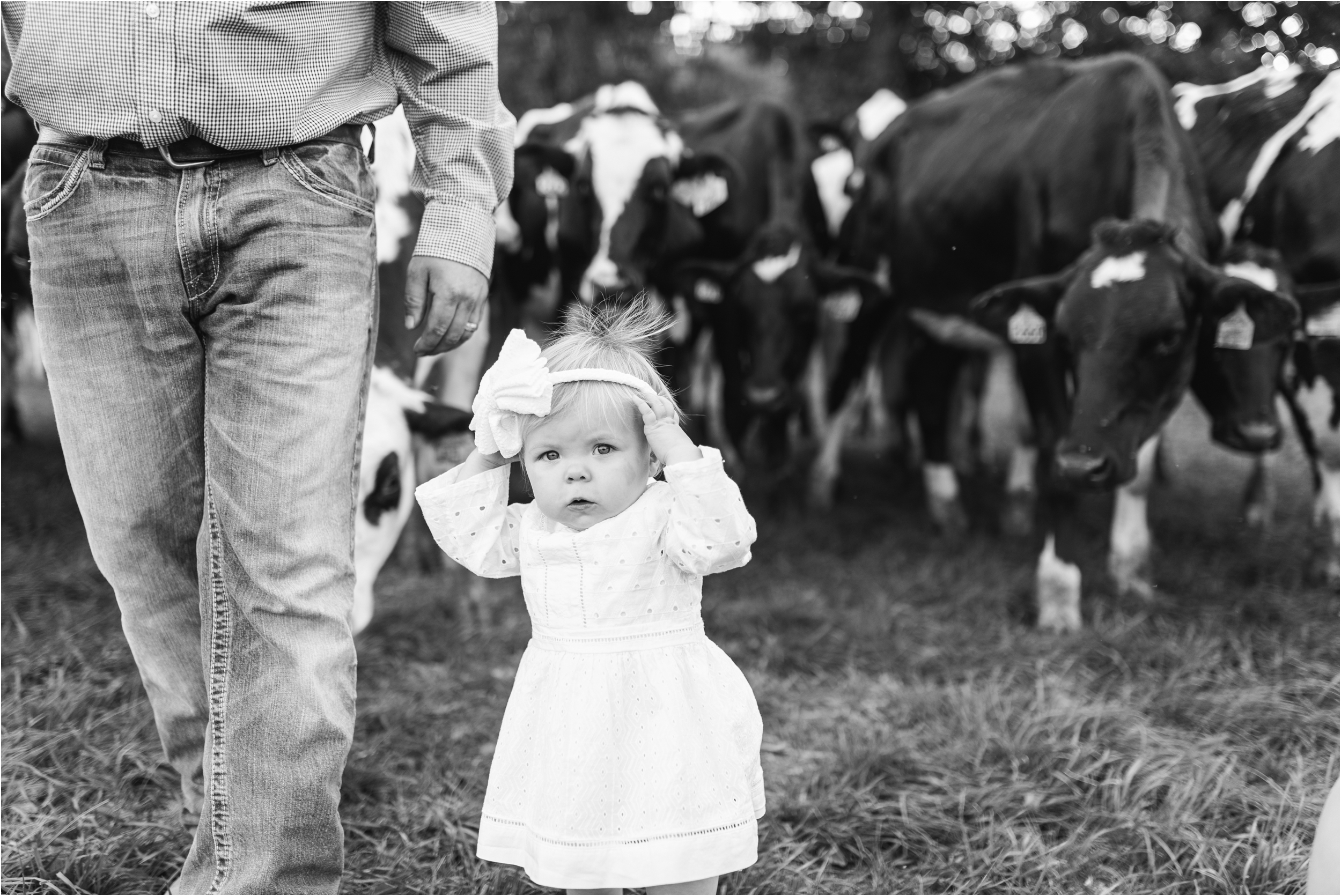 Farm Family Session_Midwest Wedding Photographer_Stephanie Lynn Photography_0079.jpg