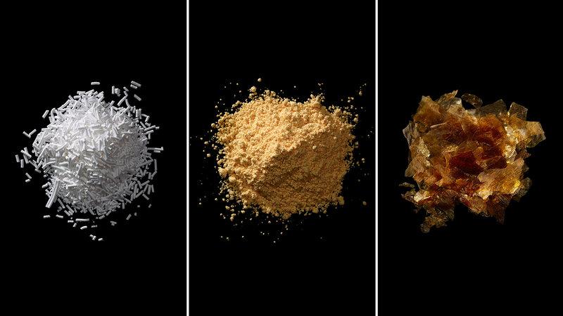 由左至右分別為:苯甲酸鈉、偶氮甲醯胺和蟲膠。