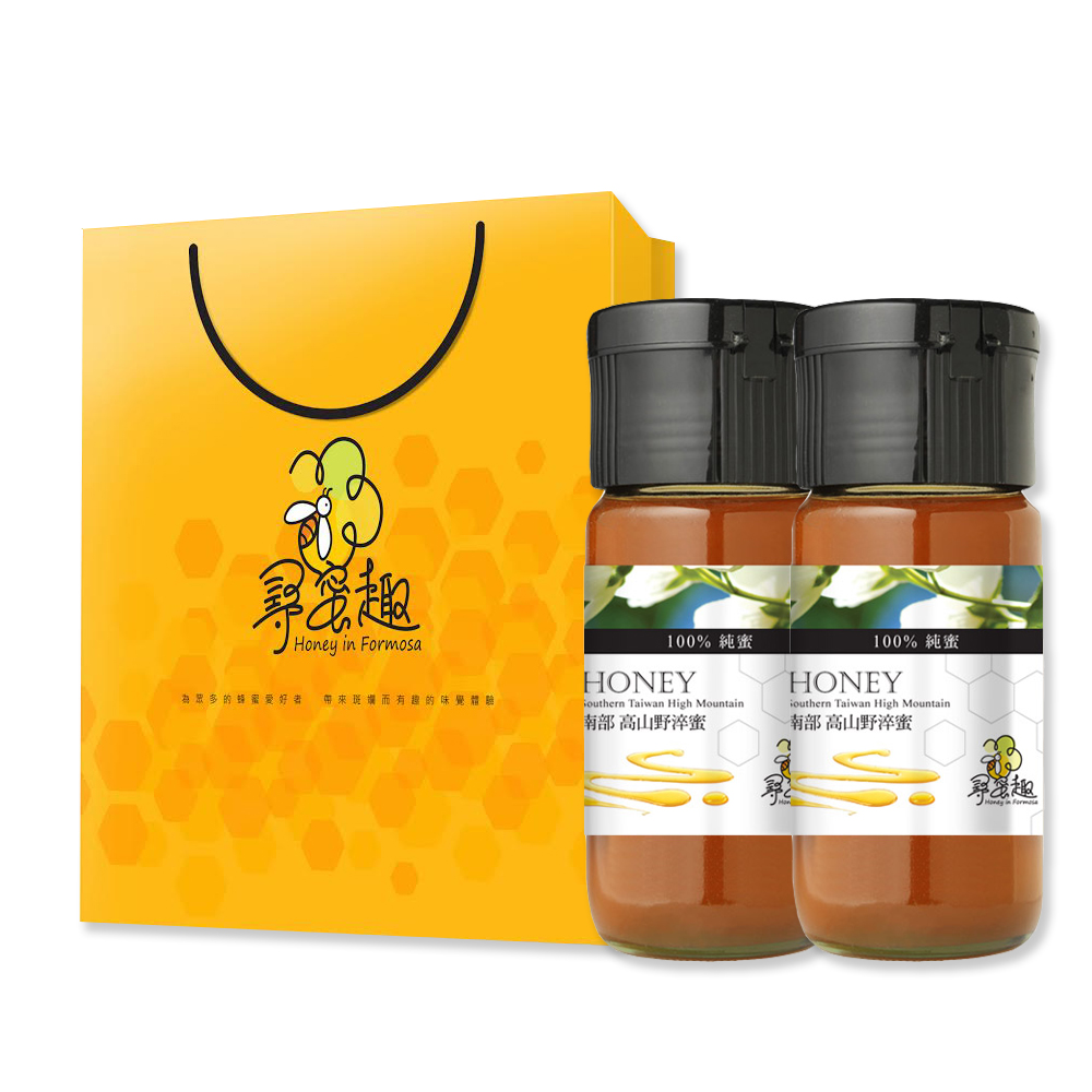 氣候溫暖宜⼈的台灣是世界上最舒適的島嶼之⼀,造就了島內四季植物⽣⻑繁盛,蜜源植物豐富, 隨季節及地理環境不同,各地⽅特產蜂蜜也不同。 因此,我們⾮常謹慎的尋找品質最優良與營養價值最豐富的蜂蜜,讓顧客盡情地享⽤。     尋蜜趣以在地⽂化為發想,就像蜜蜂尋找適合的蜜源,以最著名的⾼雄⼤崗⼭⻯眼花蜜為起點展開 尋蜜之旅,由南沿著台灣⼀周精選各地特⾊好蜜,讓⼈⼀窺各產地特⾊及蜂蜜⾵味。     ‧純天然不添加,品質保證更安⼼     尋蜜趣 Honey in Formosa深 知消費者的需求,想要品嚐純天然蜂產品的保健需求與健康期許,因 此我們藉由四⼗年的養蜂經驗,從全台⼆⼗三處採集區中嚴選出四種特⾊蜂蜜採集區,從牧蜂、脫 蜂、搖取、過濾、存放等,每個環節都必須經過層層的嚴格把關,堅持保存蜂產品的營養與活性, 就是要把最完美的台灣特⾊蜂 產品呈現到消費者⾯前。     ‧⾃動化作業,衛⽣安全更可靠     尋蜜趣⽣產的蜂產品,⽣產過程全為半⾃動化作業⽅式,保證包裝過程中品質與衛⽣不受污染, 每⼀批蜂產品皆須接受多重檢測(農藥殘留檢測、重⾦屬檢驗、抗⽣素檢驗、蜂蜜品質與純度檢測), 嚴格為消費者做每個環節的把關。