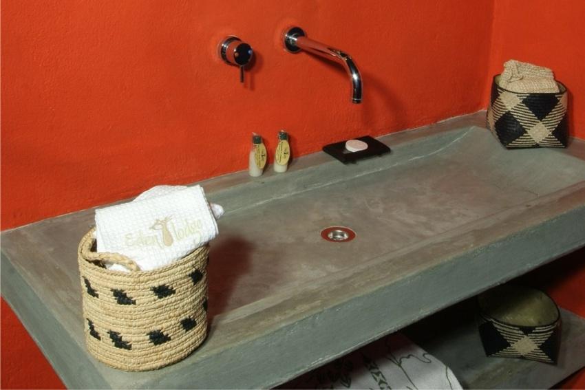 Rustic bathrooms of Eden Lodge