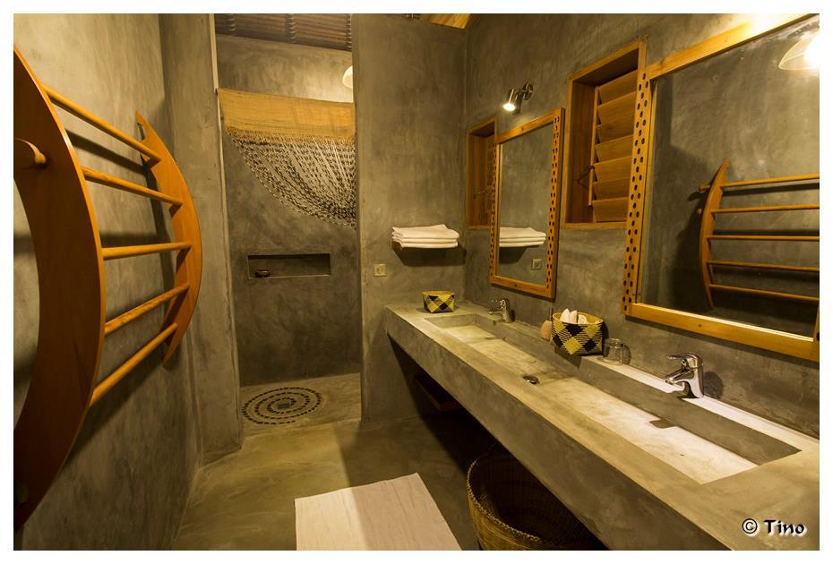 Luxury Bathrooms at L'Heure Bleue Hotel