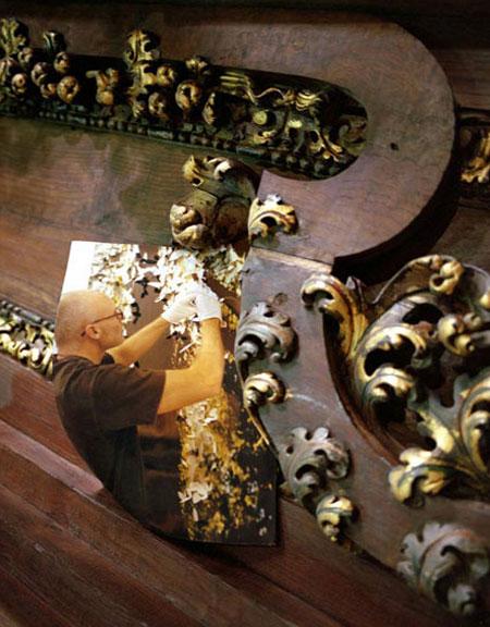 JIM HODGES IN NEW YORK REPHOTOGRAPHED IN SANTIAGO DE CAMPOSTELLO 2005