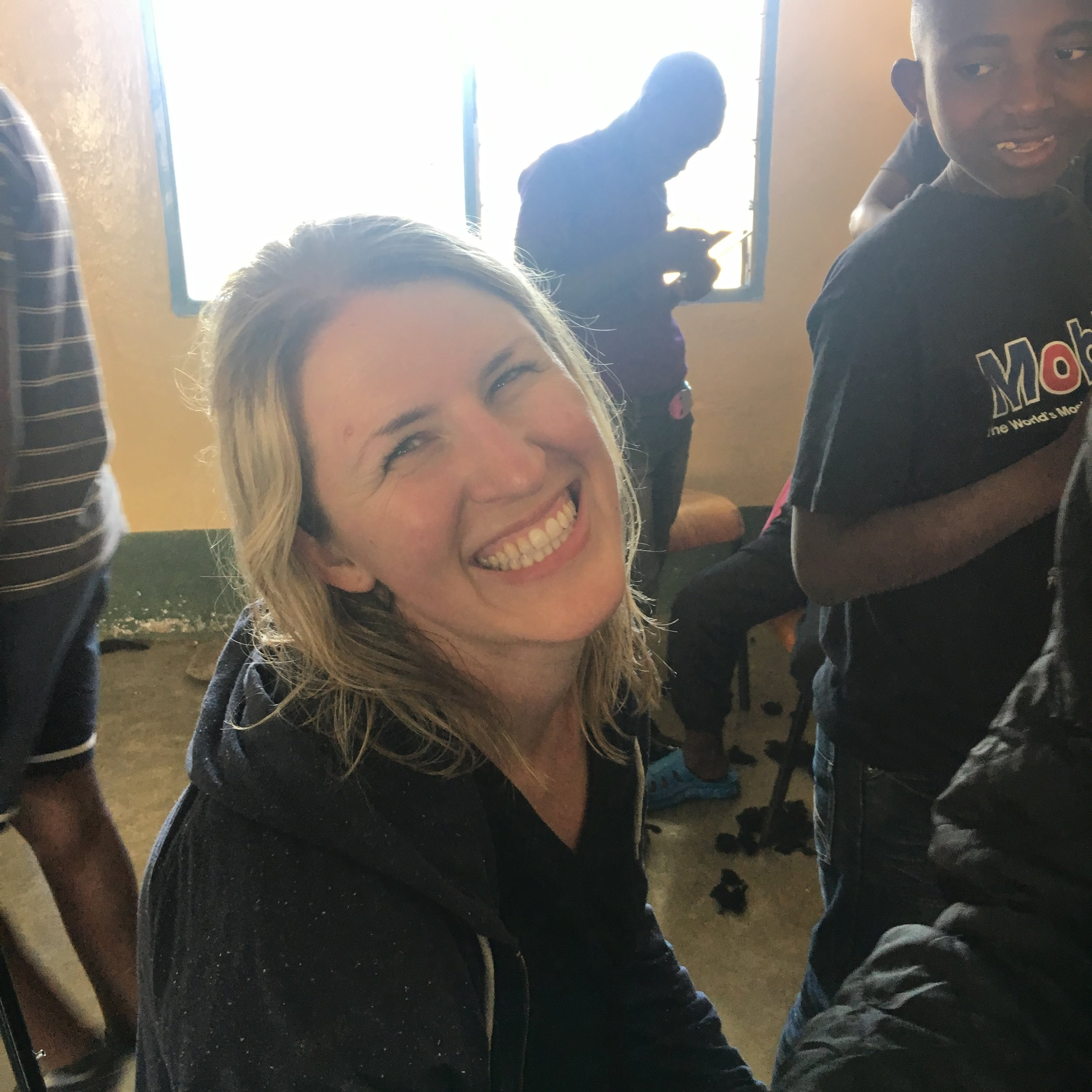 In March 2017, Janell Simmons spent almost a month volunteering at the Naivasha Children's Shelter. She helped train staff in counseling and social work, and participated in our annual rescue.