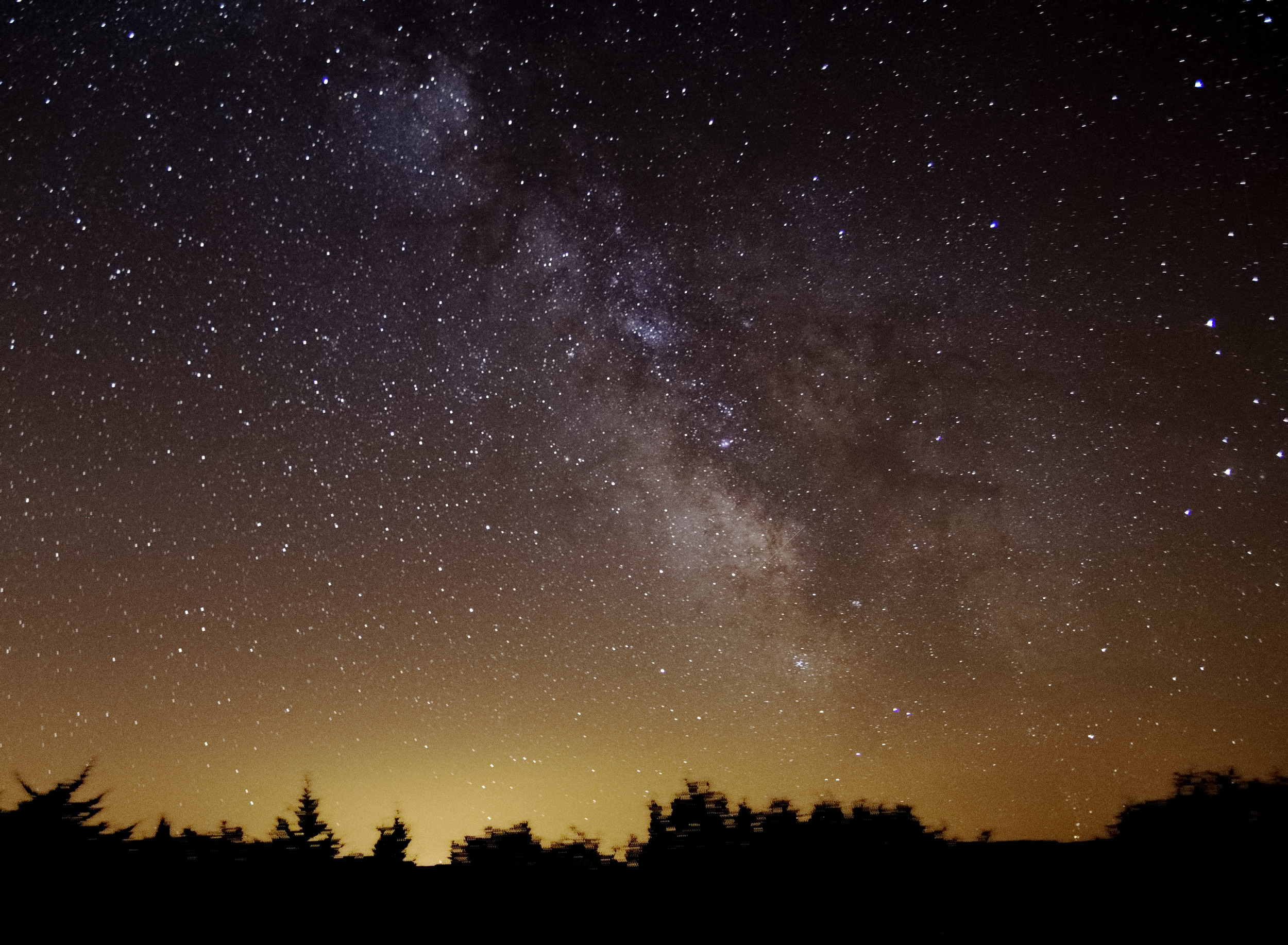 Milky Way over the fields of Languedoc