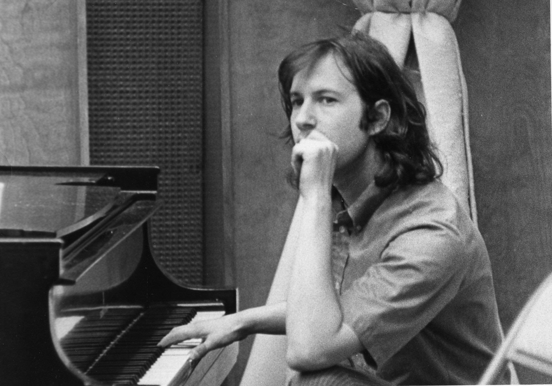 "Paragon Studios - Probably 1970 - ""Hmmmm"""