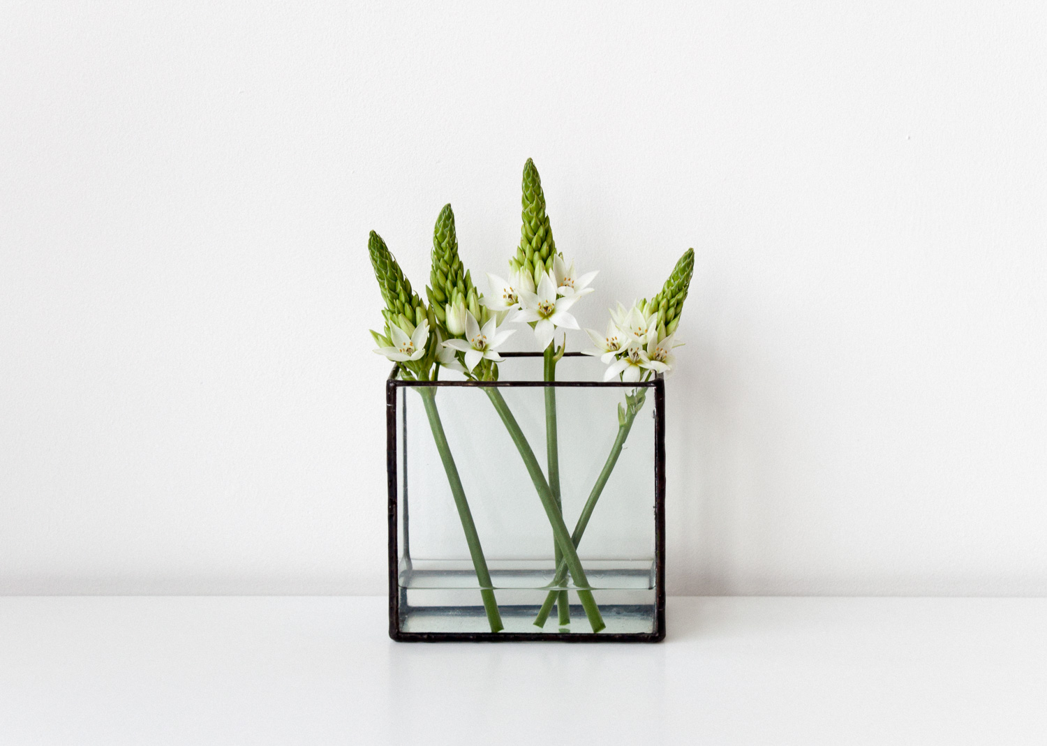 form-valentines-gifts-monti-glass-vase