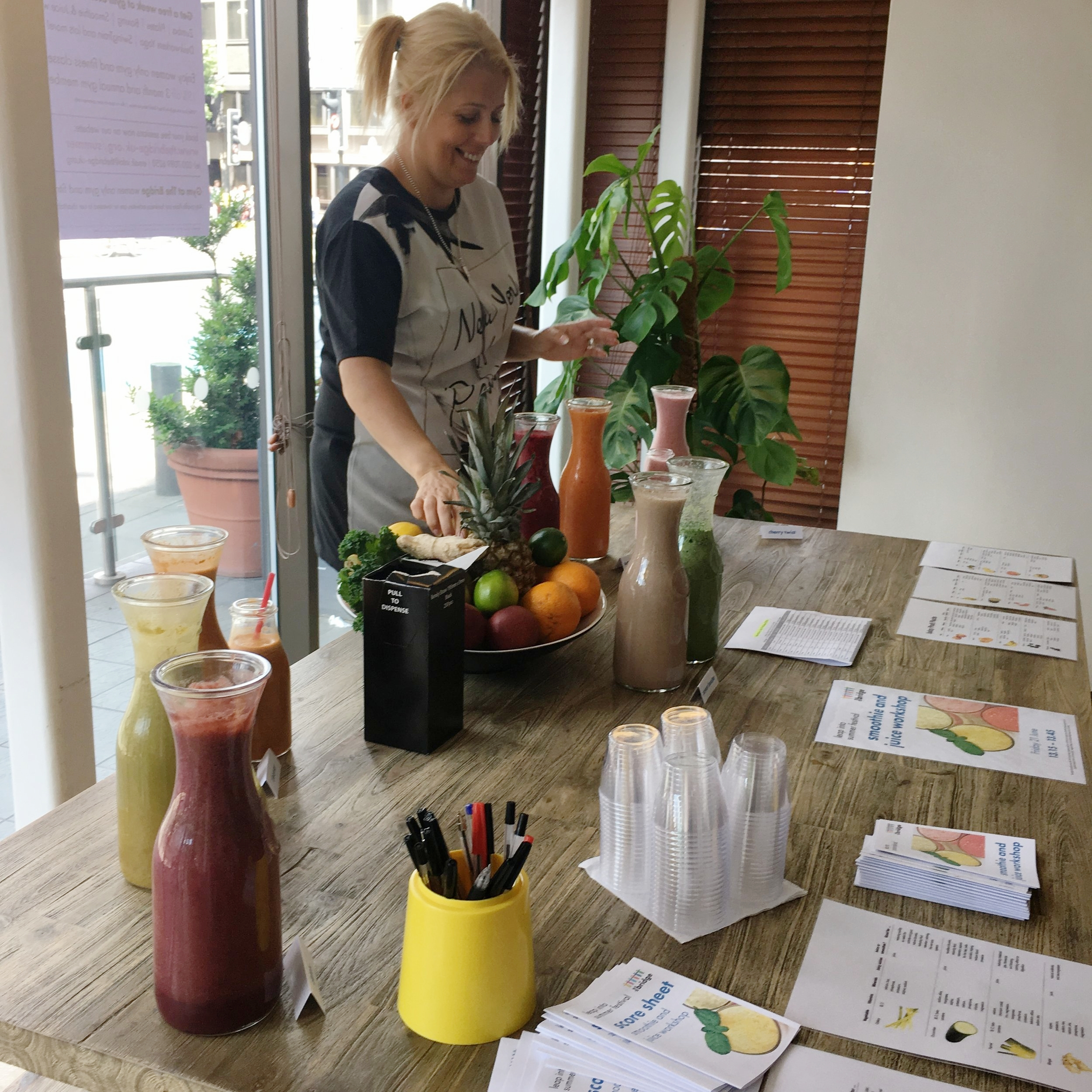 tracey creating the smoothies