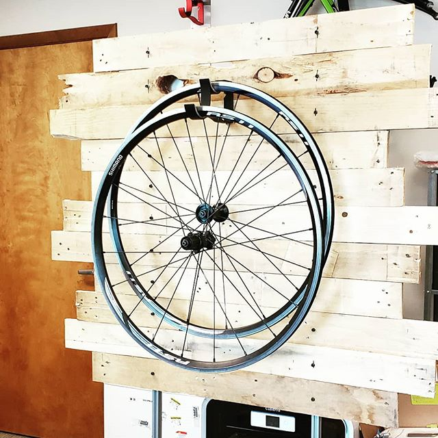 Made a quick little display to show off the #offsethook at the up coming #girodisanfrancisco. We'll see you there? #gethookedup . . . . #wheelhanger #bikestorage #bikeracing #fromwherriride #wymtm #getoutsideandride #instacycling #cyclinglife #bikestorage #wheelset #wheelstorage #instacycling #summer #bikesandbeer #bicyclewheel #hangin #bicyclewheel #bicyclegifts #amazballs #cyclocross #gravelbike #gravelgrinder #dtswiss #dt #cyclingporn #cyclinglove #zippspeed #envewheels