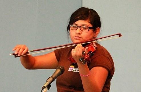 tania violin.jpg