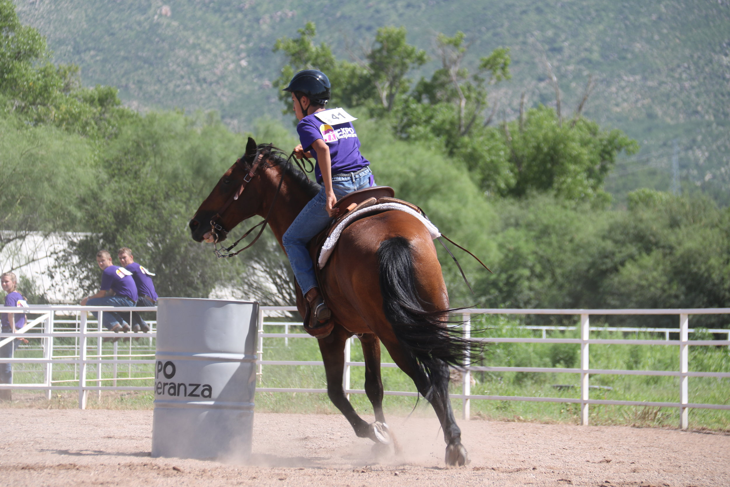 Barrel Racing is a favorite of the participants and a real crowd pleaser! Open to Intermediate and Advanced Expo participants, 5 horses ran the barrels with 20 participants.