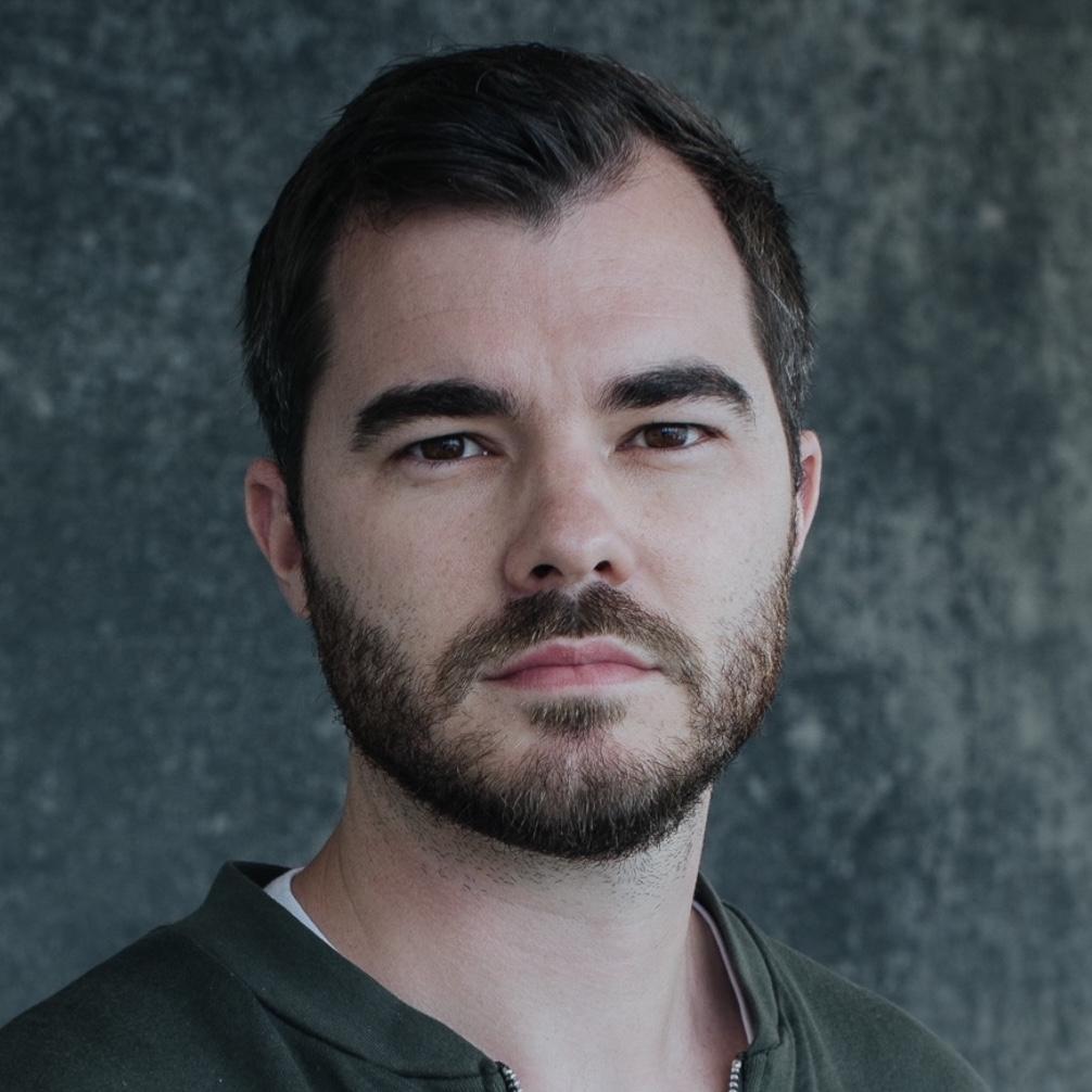 Adam Glynn-Finnegan  Senior Product Designer, Airbnb