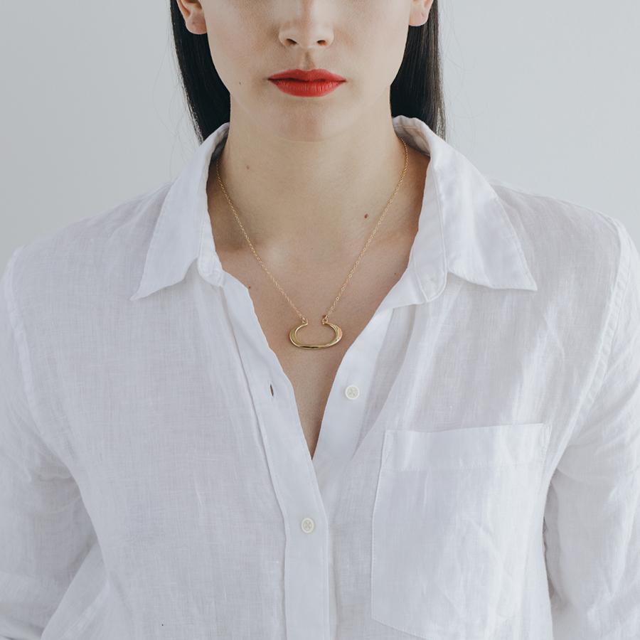 MGG STUDIO THEA necklace model.jpg