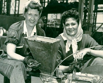 """Great numbers of women [""""The Rosies""""] enter the workforce during WWII"""