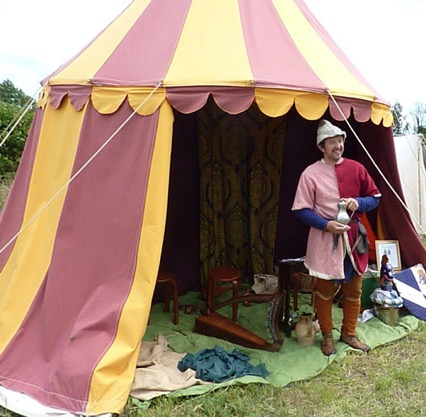 The Minstrel kept everyone entertained with hits of the Middle Ages...