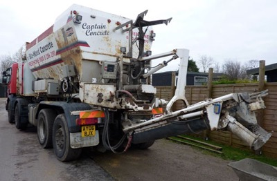 The Heavy Mob (our benefactors Eastern Concrete) trucked in a weight 4m of the grey stuff which then all had to be barrowed in by hand