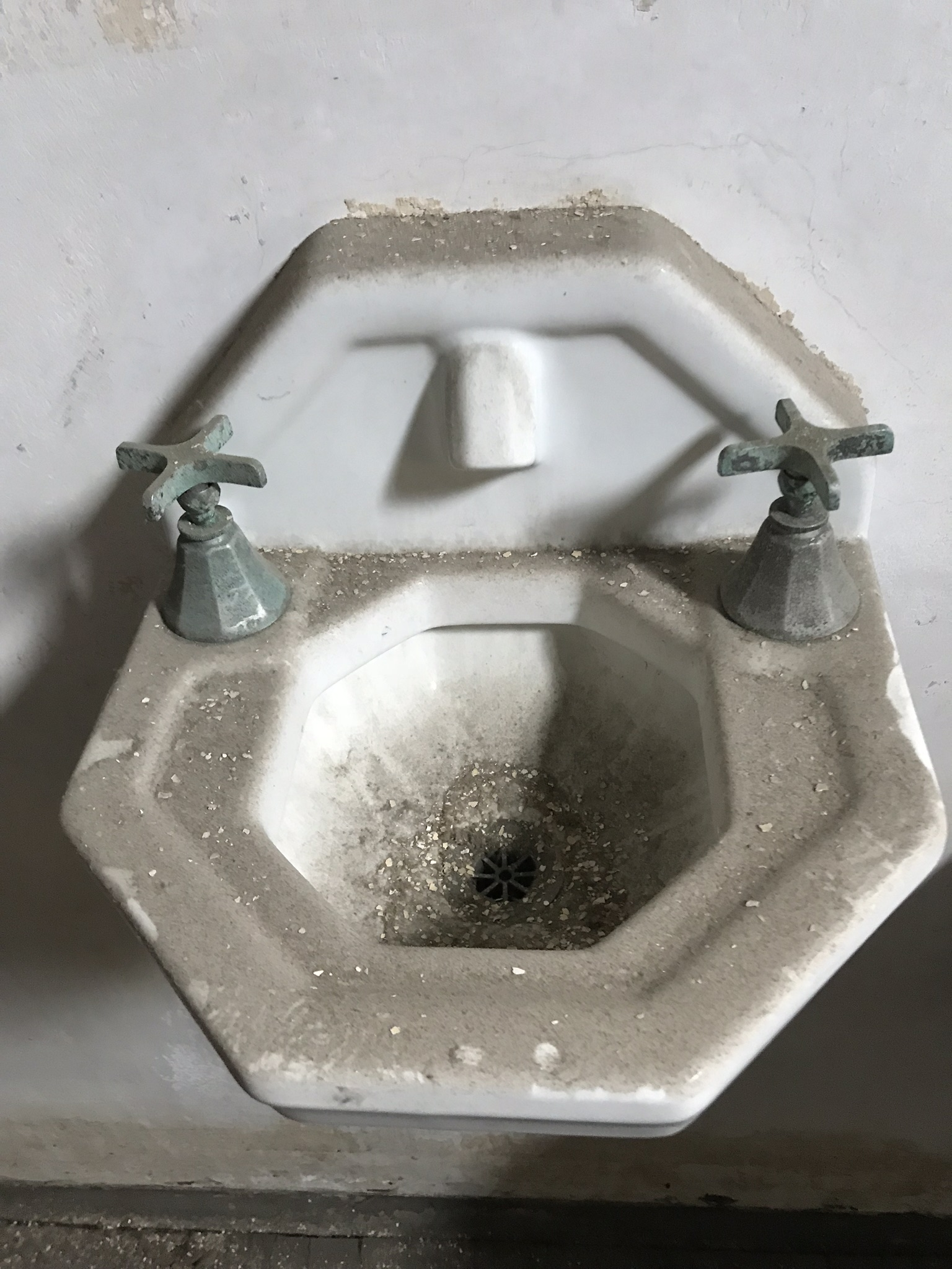 Spittoon sink for patients with tuberculosis.