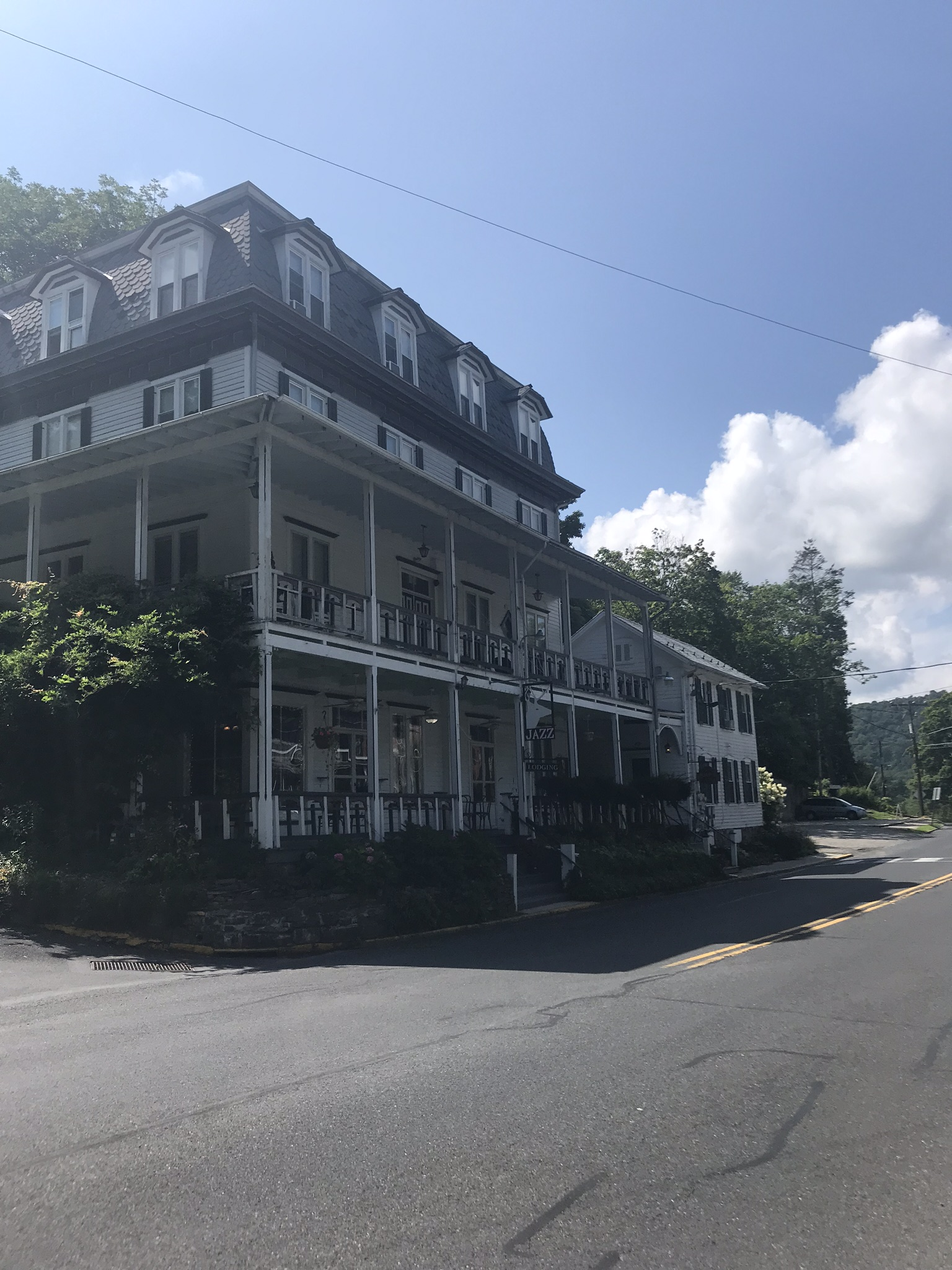The Deerhead Inn. I spent a few nights in my youth here.