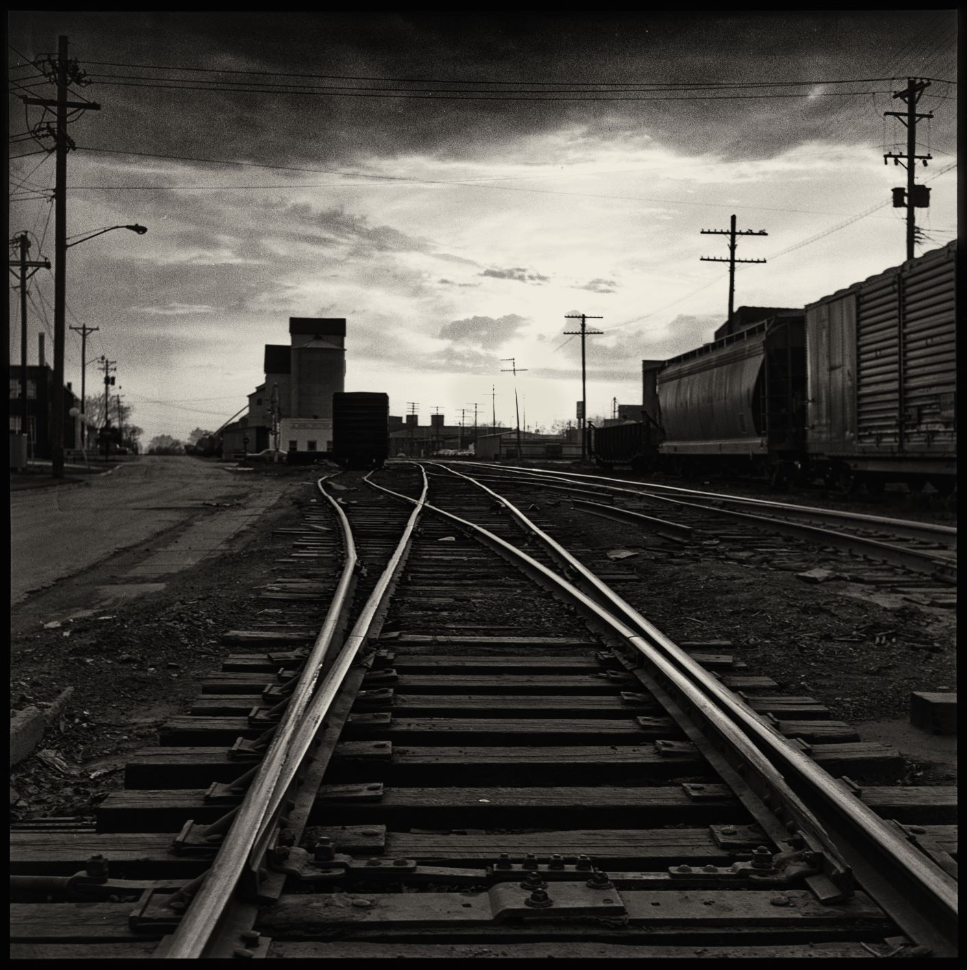 train tracks (1 of 1).jpg