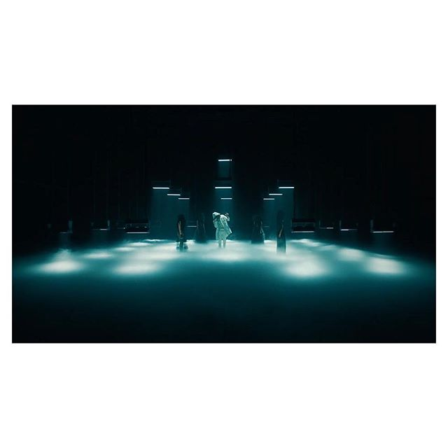 "New work with @vevo and @future for a live performance video of ""Promise U That"". So grateful to have worked with @goldbergkyle and @contrastfilms on this one. Y'all were such a pleasure to work with. Also my first time shooting at @pinewoodstudios! Link in bio.  dir - @goldbergkyle  ep - @jordy_wax prod - @colelbrian_  prod - @thisisbenfuqua  color - @jaimeoshow stedi - @timyoder 1st - @noah_orisich DIT - @insta_cinematics  LD - @joshlights key grip - @de_con BBG - @cvalds"