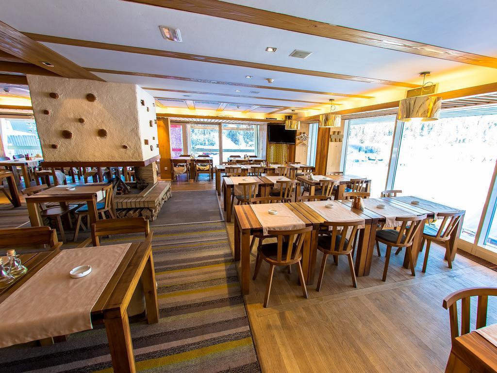 Hotel Breakfast Area