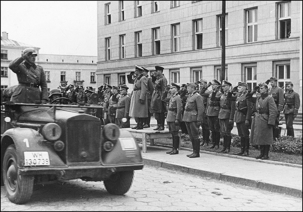 Joint German-Soviet Military Parade in Brest, Poland, 1939 (PC:  Bundesarchiv )