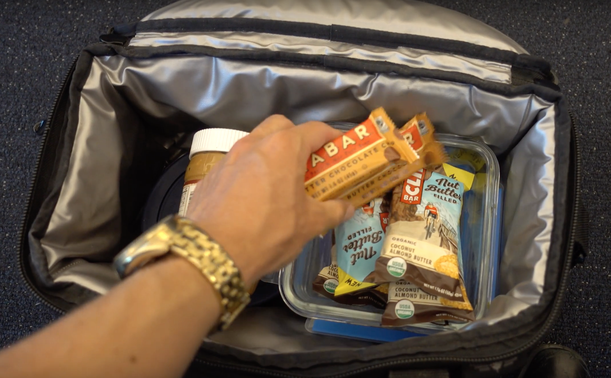 How to pack vegan for a trip -
