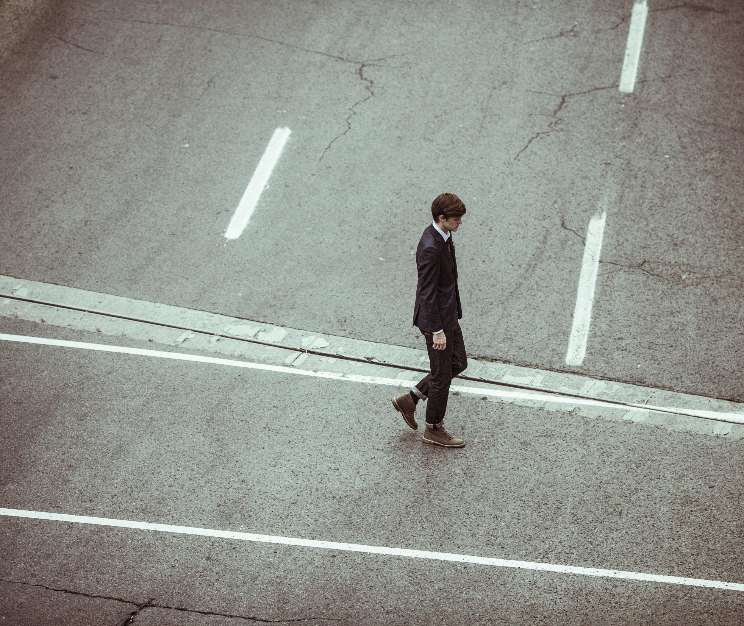 alejandroescamilla-dude-walkin.jpg