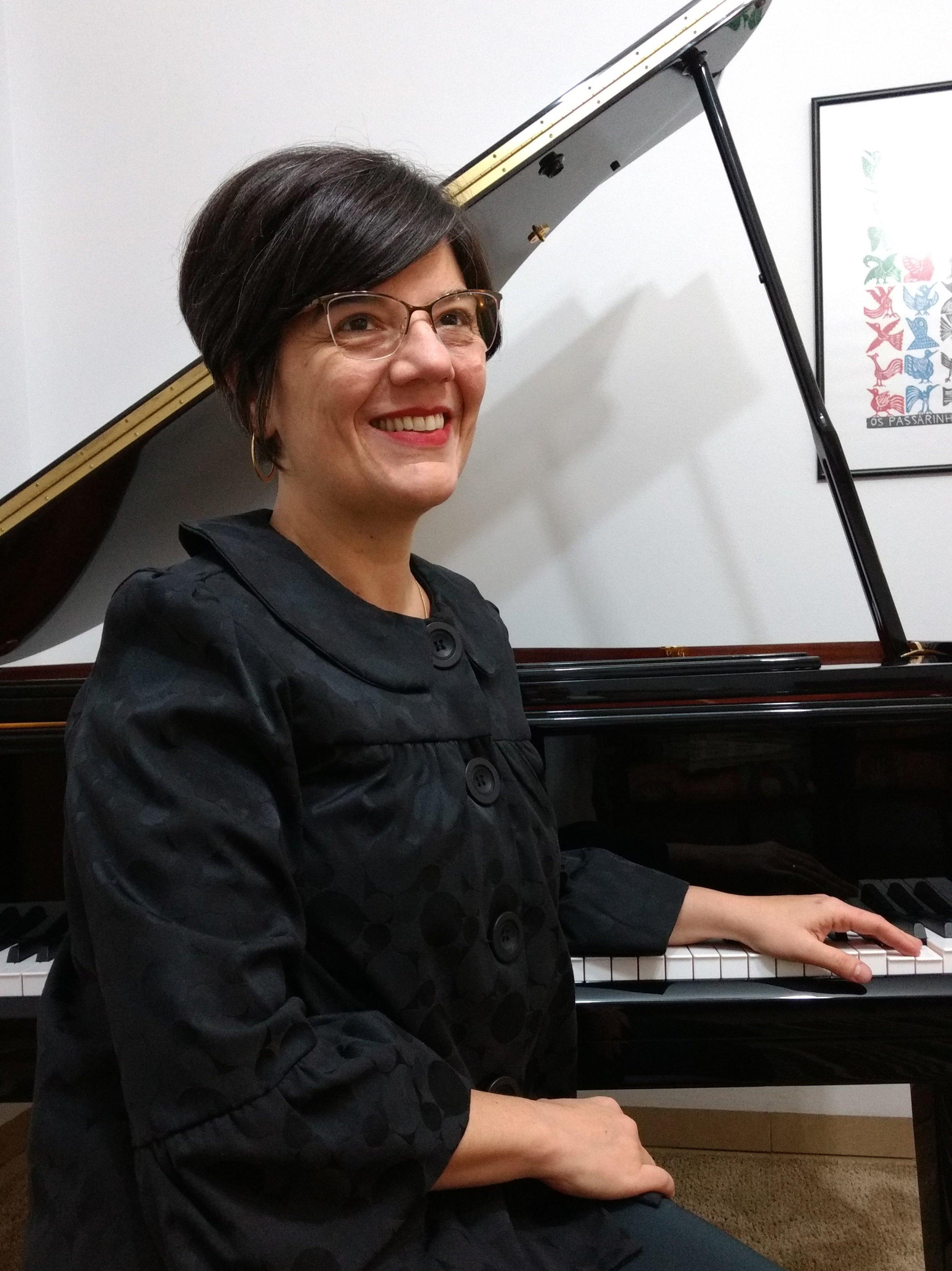 Ana Beatriz Marcondes Marra é Bacharel