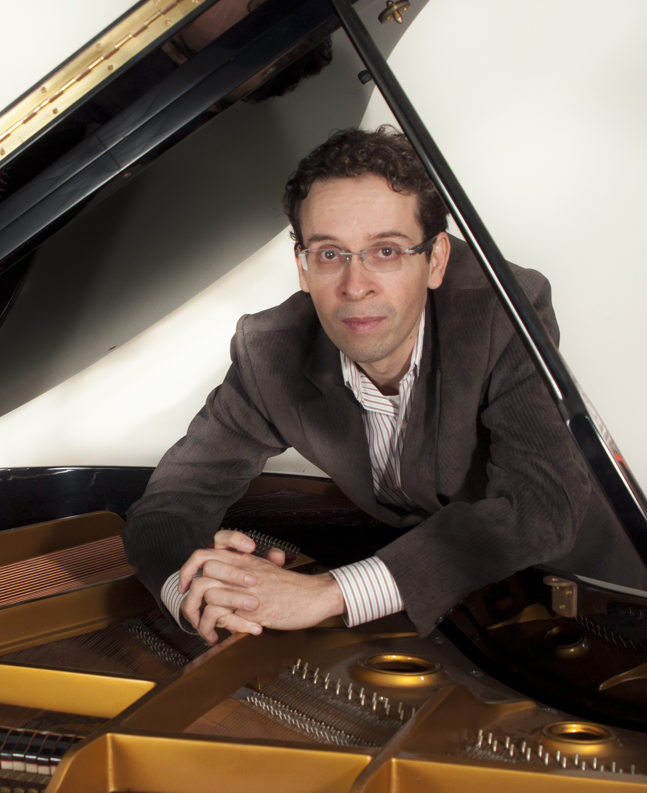 Dr. Alexandre Zamith