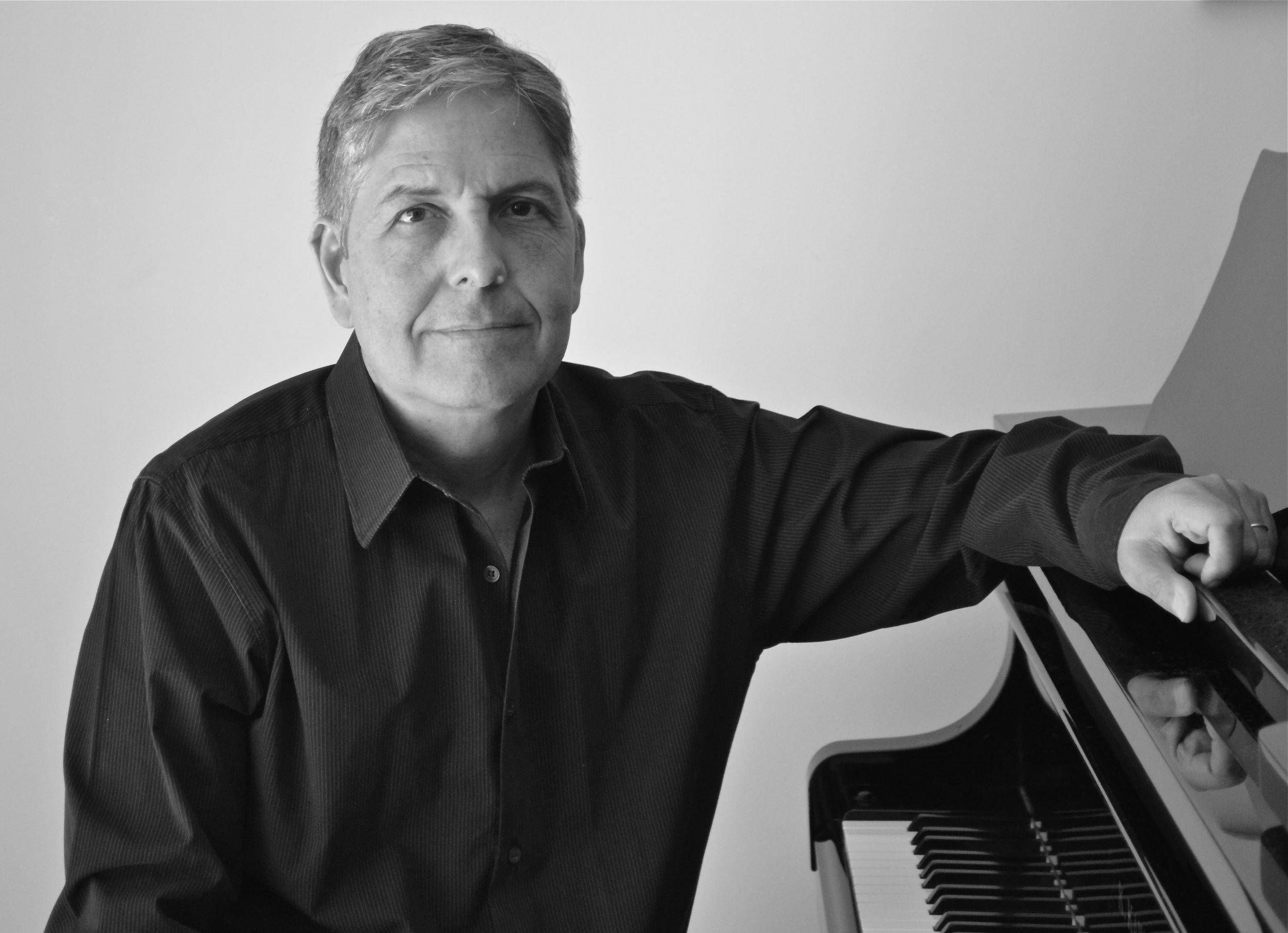 Dr. Fernando Corvisier