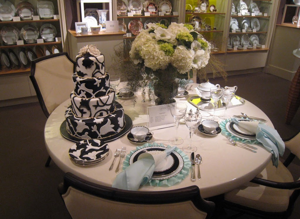 Black-and-white-table.jpg