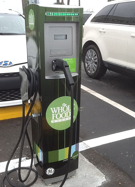432px-14_12_31_EV_Charging_Station_Whole_Foods_Clearwater_FL_and_GE_01.jpg