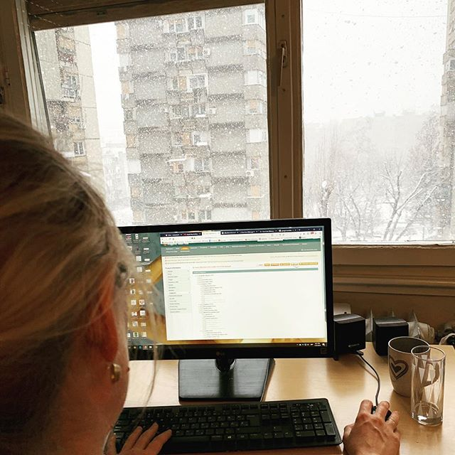 Snowing outside but it is important to be productive 👩‍💻