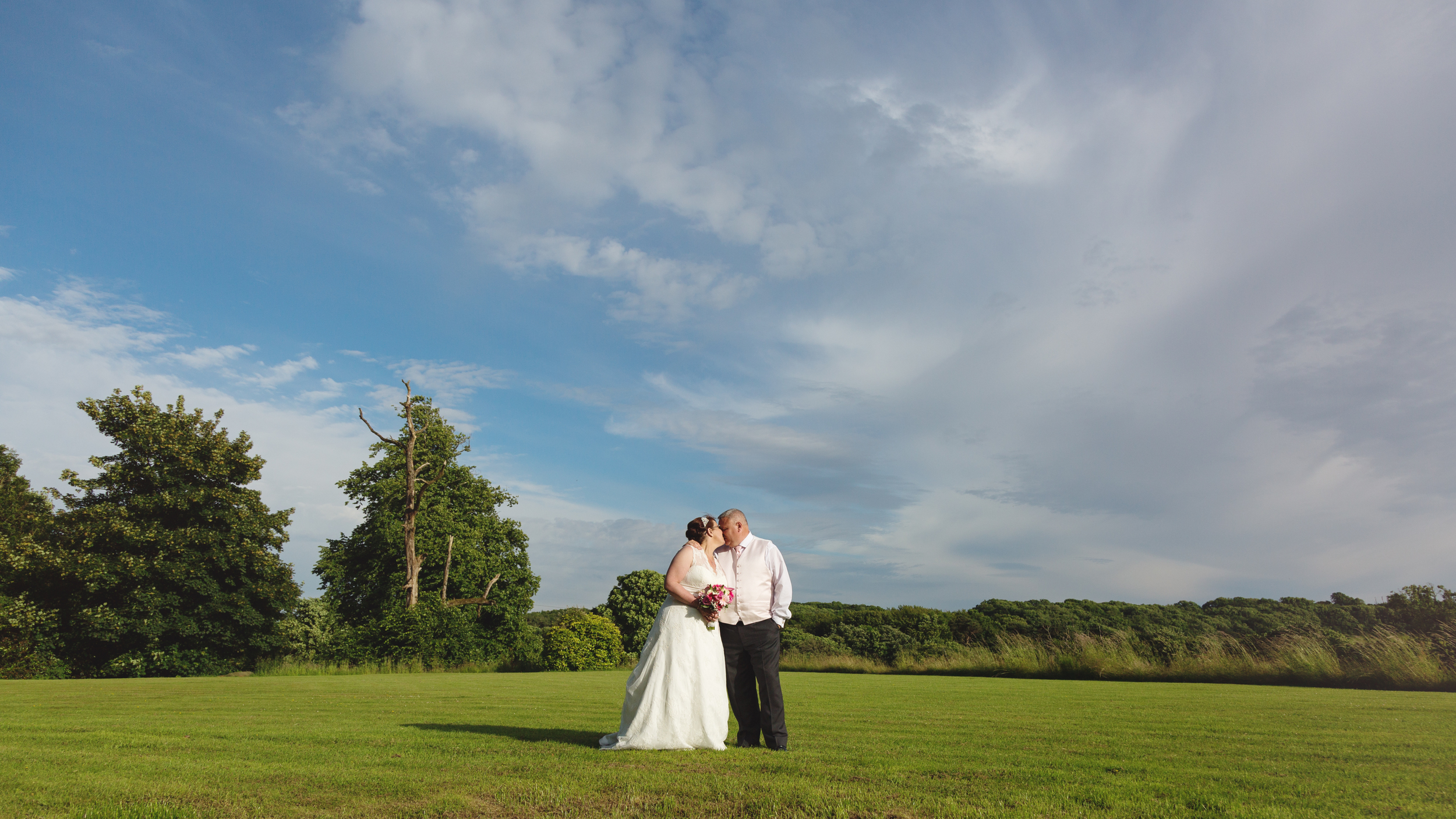 Court Cole man wedding photographer, wedding photographer Bridgend, Caerphilly, Cardiff