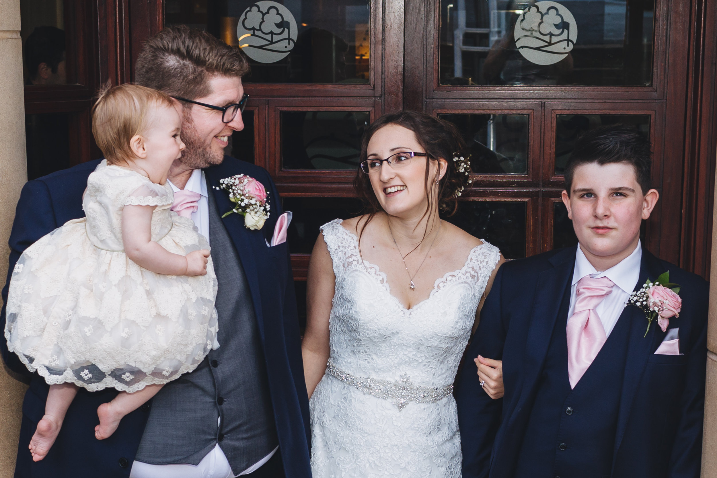 Bryn meadows Golf Club wedding photos. Wedding photographer Caerphilly, Cardiff, Newbridge, Bryn meadows, South Wales