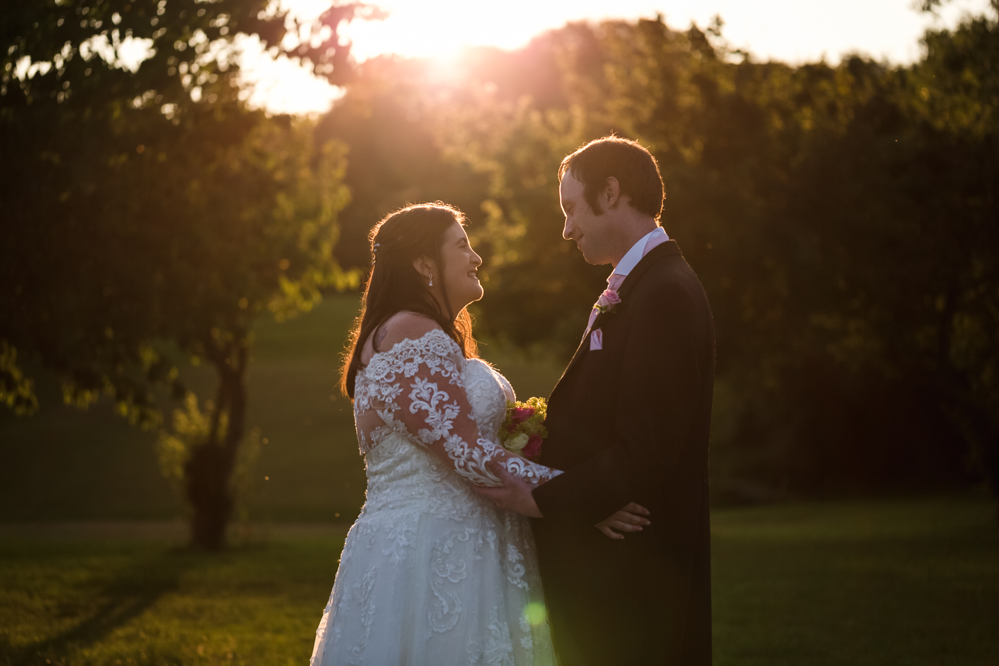 Bride and groom sunset portraits at Ridgeway golf club, Thornhill, Caerphilly Mountain