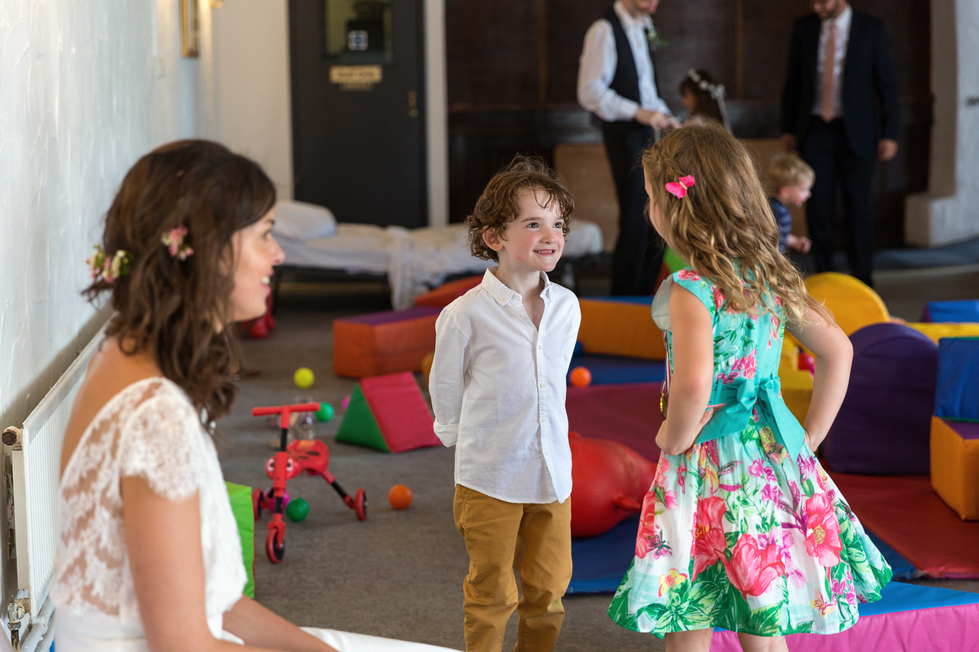 south wales wedding photographer covering cardiff, RCT, bridgend