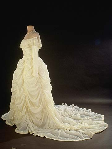 Ruth L. Hensinger's wedding dress 1947, Smithsonian National Museum of American History