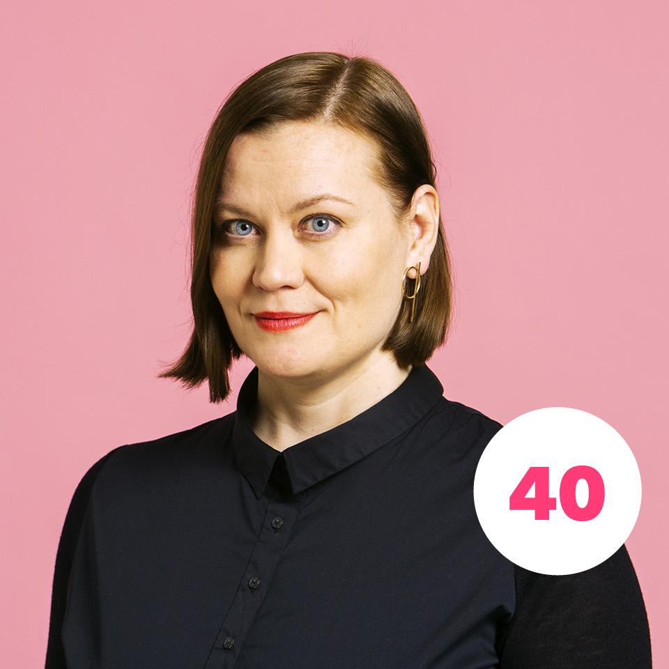 KATJU ARO  numerolla 40 Puoluejohtaja, kaupunginvaltuutettu, graafinen suunnittelija, TaM, 44 v.