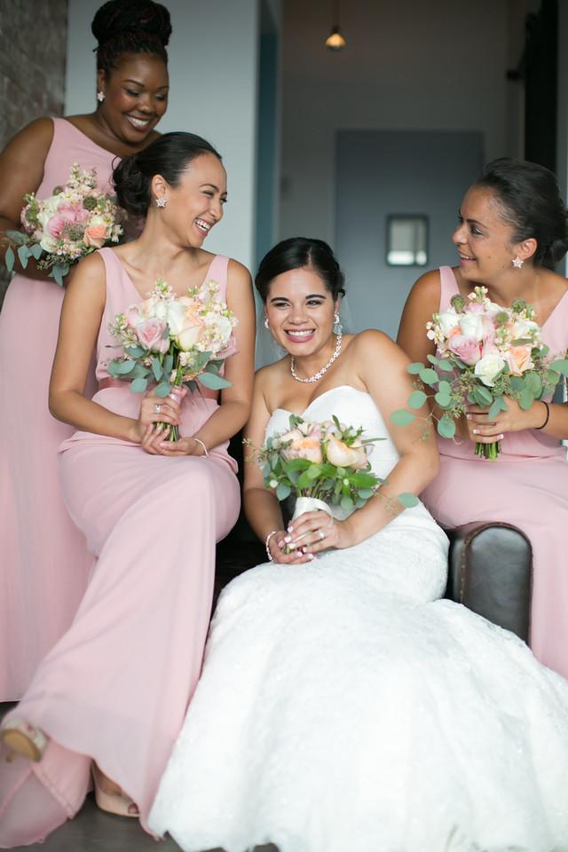 Bridesmaids -My moon-Brooklyn-weddings.jpg