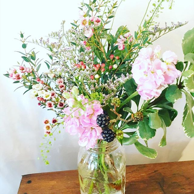 Our pre-mades ready for pick-up. #greenpoint #williamsburg #instaflowers #instagift #masonjar #Greenpointers