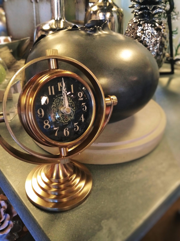 Amazing table clocks