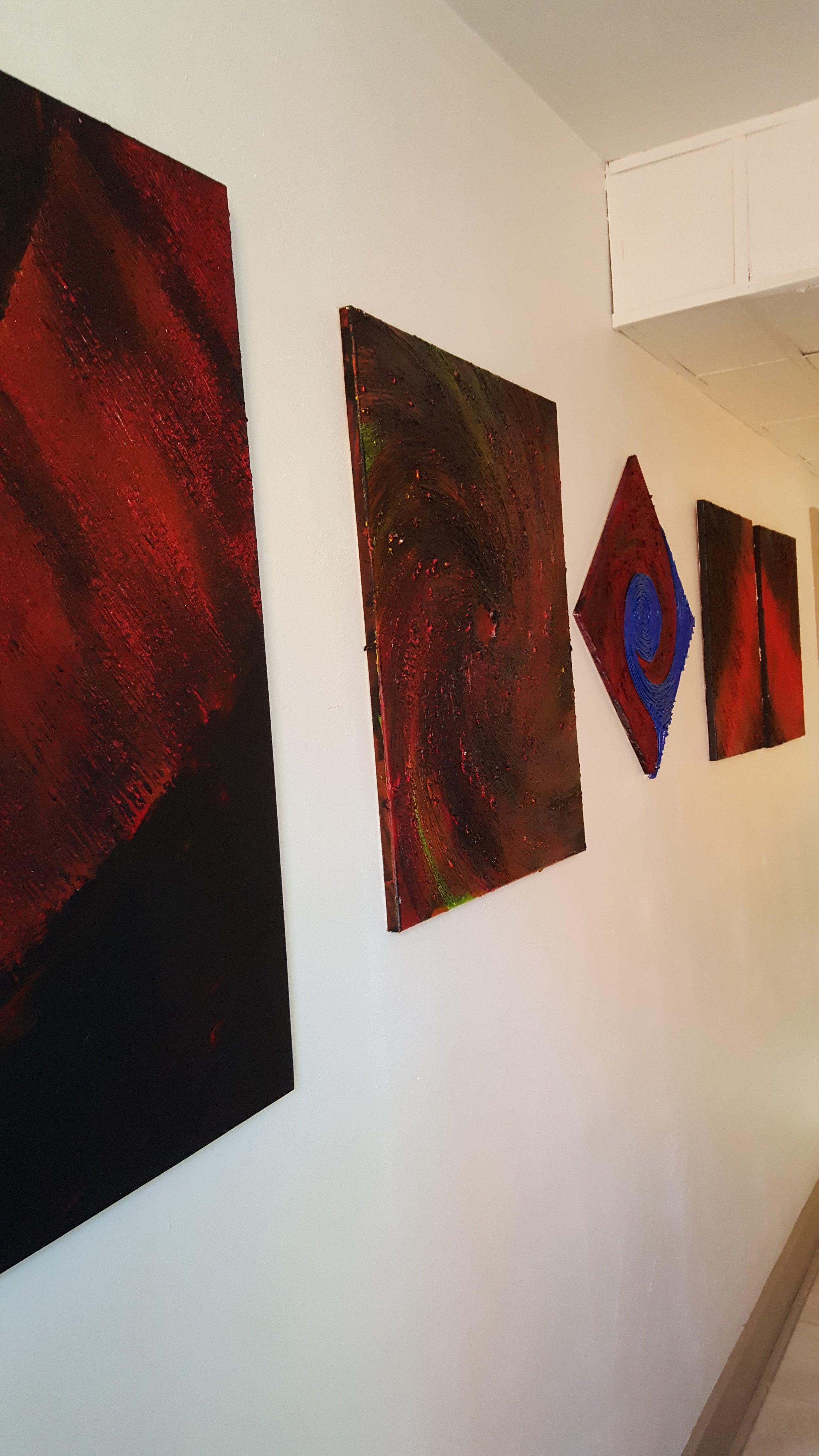 circle on the wall