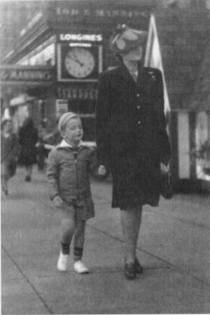 Ron & his mother visit Canada from Japan in January 1941